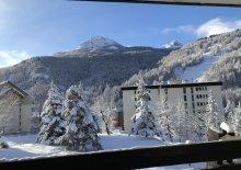 appartement vue sur les pistes et la montagne